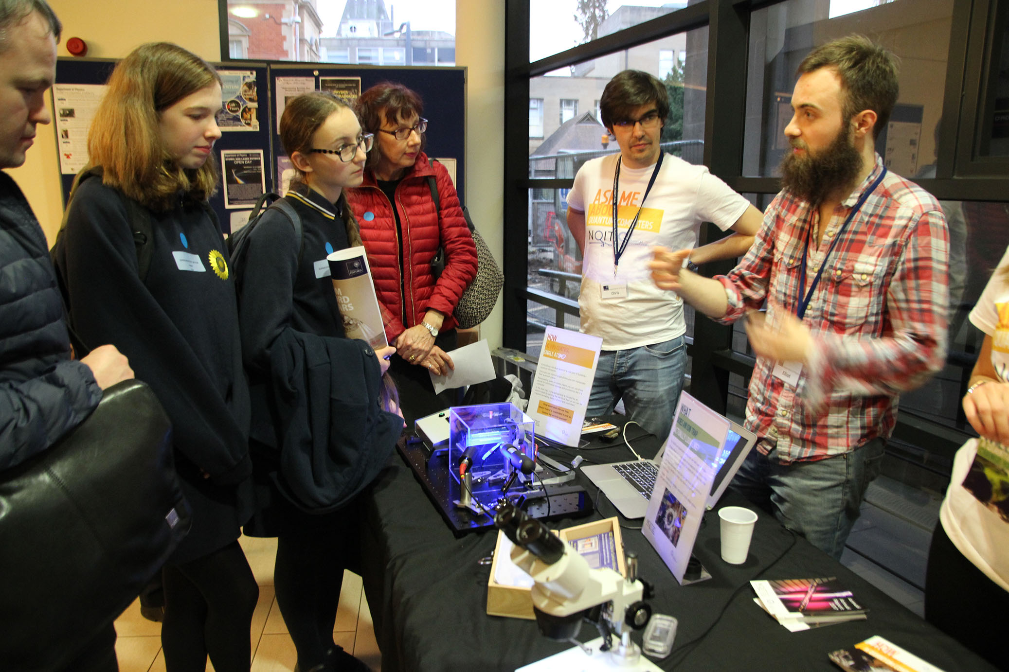 Science Fair at the Evening of Quantum Discovery / Credit: Olga Brecht, NQIT
